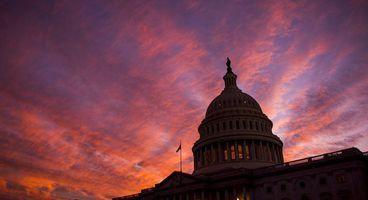 Facebook, Twitter regulate themselves before meeting congress