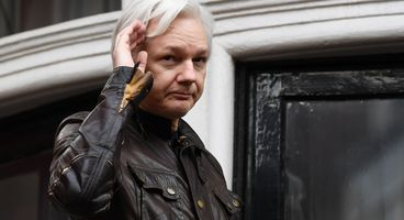 Julian Assange hits back after CIA director likens WikiLeaks to Isis and Hezbollah