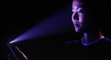 Cops Are Likely To Be Able to Force Open Your iPhone X Using FaceID