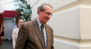 Opposition mounts against bill to renew surveillance program