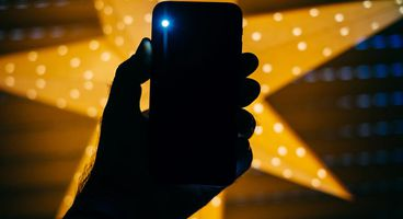 Flashlight apps on Google Play infested with adware were downloaded by 1.5m people - Cyber security news