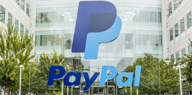 PayPal, Silicon Valley, California, Finance, Office, 2015, Auction, Business, Business Finance and Industry, Buying, Campus, Color Image, Computer, Currency, Editorial, Finance and Economy, Global Business, Headquarters, Horizontal, Internet, Market Vendor, No People, Office Building Exterior, Office Park, Paying, Photography, San Jose - California, Technology, Web Page