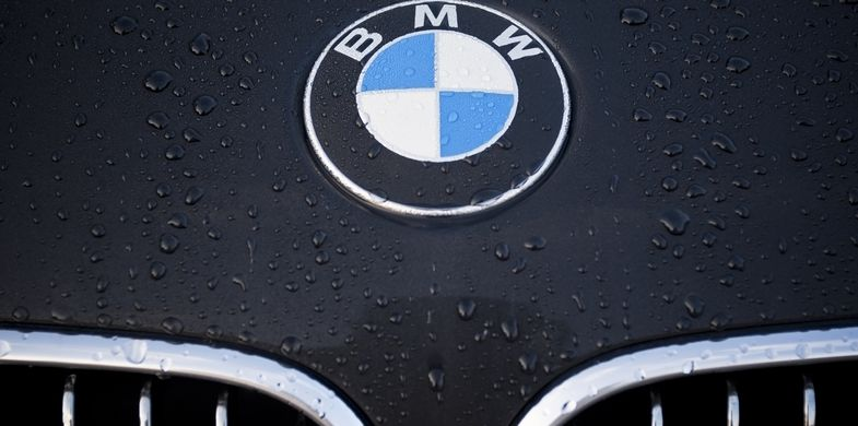 BMW, Sign, Car, Luxury, Logo, Black Color, German Culture, Grille, Concepts, Elegance, Man Made Object, Symbol, Clean, Industry, Horizontal, Close-up, Vehicle Hood, Circle, Modern, Silver - Metal, Water, Drop, Dew, Decoration, Wet, Silver Colored, No People, Photography, Insignia, Motor Vehicle, Automobile Industry, Brand-name, Editorial, Fashionable