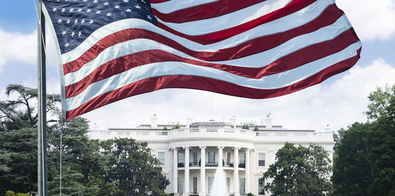 White House - Washington DC, Washington DC, Flag, USA, Presidential Election, American Culture, American Flag, Wind, Urban Skyline, Waving, Election, Photography, Symbol, City, Cityscape, Horizontal, Outdoors, National Flag, National Holiday, Fourth of July, Star Shape, Rippled, Striped, Textile, International Landmark, Patriotism, City Life, No People, US Memorial Day, Capital Cities, Holiday - E