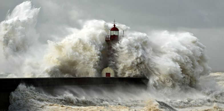 storm, tsunami, wave, hurricane, ocean, sea, wind, god, danger, sky, porto, cloud, rocks, blue, big, pier, tide, weather, water, travel, power, flow, day, light, dark, outdoor, shore, heavy, white, stormy, lighthouse, dramatic, freedom, disaster, sun, portugal, beacon, energy, hope, climate, douro, cloudy, color, seascape, nature, cyclone, atlantic, landscape
