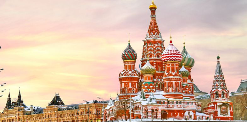 russia,moscow,red,kremlin,square,winter,travel,basil,cathedral,saint,christmas,landmark,church,orthodox,tourism,russian,st,culture,city,architecture,famous,museum,sky,dome,building,monument,sunrise,detail,clouds,ancient,blessed,blue,color,colorful,cupola,evening,golden,historic,lights,old,religion,sunset,symbol,vasily,xmas
