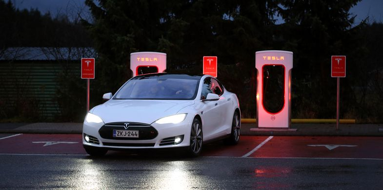 Flaws in Electric Vehicle charger could set a house on fire