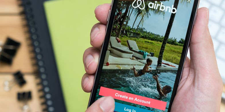 Airbnb user accounts allegedly hacked; previous bookings canceled and new bookings made