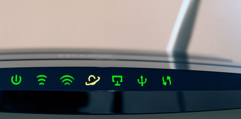 wifi, router, modem, green, cyberspace, internet, light, black, technology, modern, object, connection, surfing, mobility, mobile, connected, working, wireless, networking, antenna